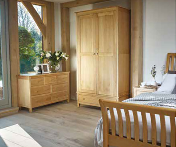 Corndell Nimbus Oak Curved Bed, Double Wardrobe with Drawer & Low 3+4 Chest of Drawers