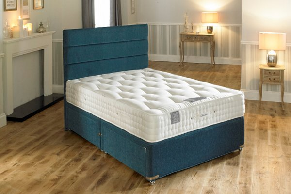 Hampton Bed Company Heritage Collection Pocket Spring Bed - Chelsea 1000 Divan Bed with a Banbury Floor Standing Headboard