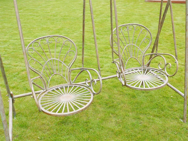 Painted Metal Garden Swing - Close up images of the seats and the distressed paint finish