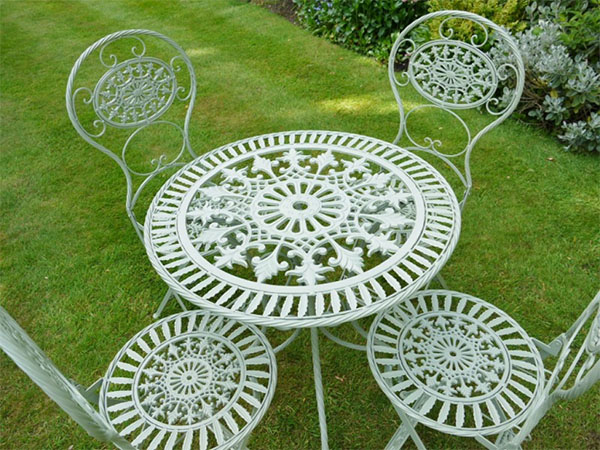 Pistacchio Green Metal Round Garden Table & 4 Chairs Set