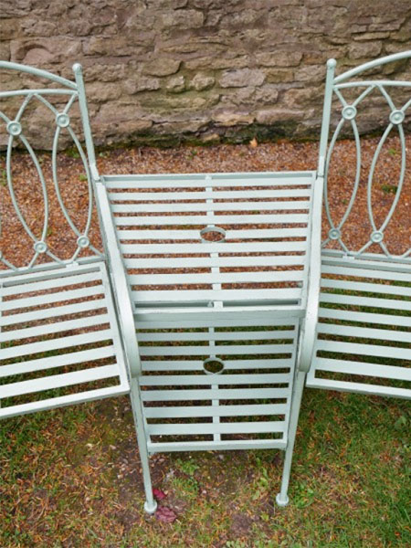 Pistachio Green Lovers Metal Garden Bench - Close up image of the middle of the lovers bench