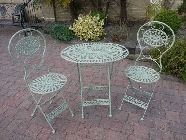Pistacchio Green Metal Round Garden Table & 2 Chairs Set