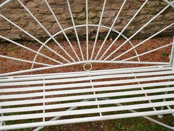 Pistachio Green Sunrise Metal Garden Bench - Close up image of the central part of the bench