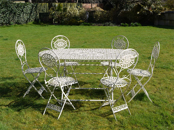 White Metal Oval Garden Table & 6 Chairs Set