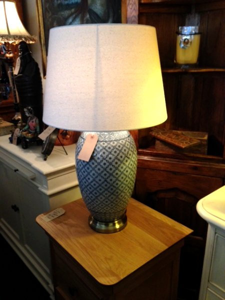 Blue Lattice Patterned Ceramic Jar Table Lamp with Shade