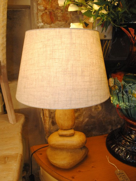 Edison Vintage Lighting Medium Stacked Pebble Table Lamp with Shade