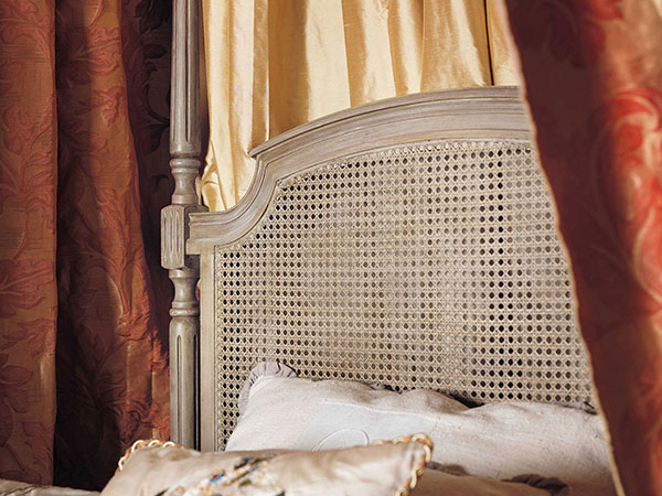 Close up image of the eadboard on the Rouchon Esprit de Chateau Baldaquin Louis XVI style 4 Poster Bed