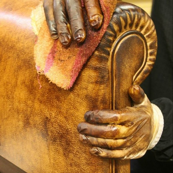Hand antiqued leather finish