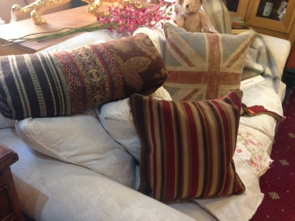Tetrad Scatter Cushions