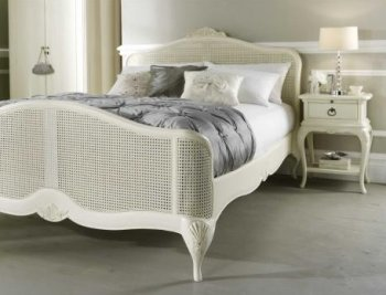 Willis & Gambier Ivory Bed & 1 Drawer Bedside Chest