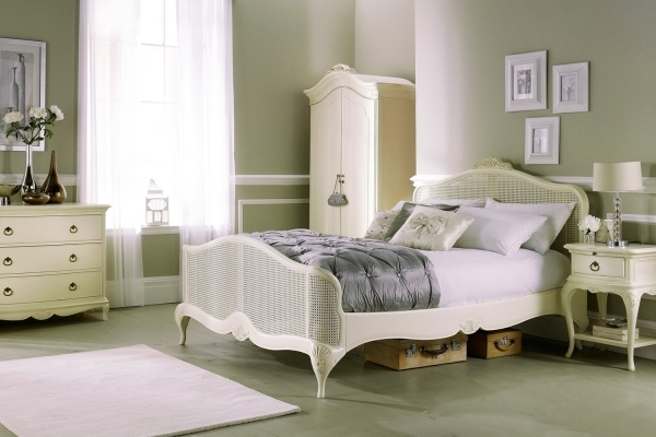 Willis and Gambier Ivory Collection Bedroom Furniture