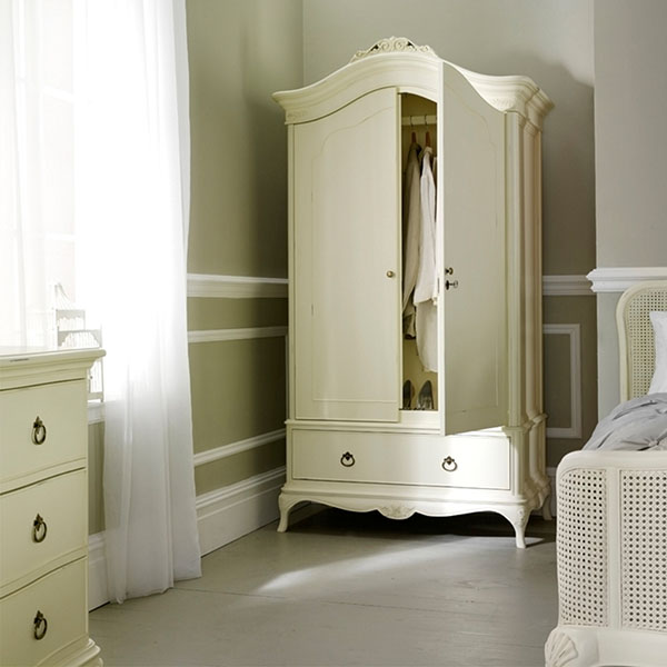 Willis & Gambier Ivory Double Wardrobe, Bedstead & 3 Drawer Low Chest